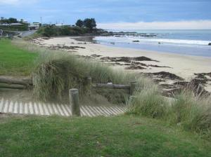 Kaka Point beach